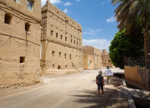 Discovering the al Hamra old town next to the palm grove